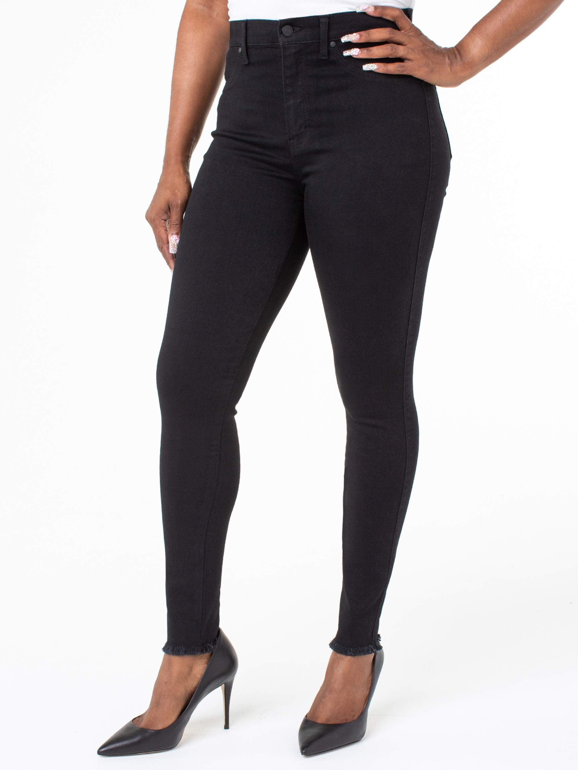 Juniors' Ultra High Rise Curvy Fit Jeans w/ Fray Hem