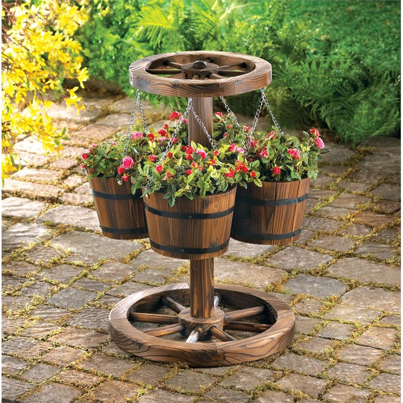Zingz and Thingz Wagon Wheel Planter