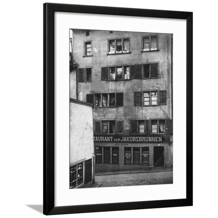 The House at the Spiegelgasse 14 in Zurich. Here lived Lenin on the second floor (left) Framed Print Wall -