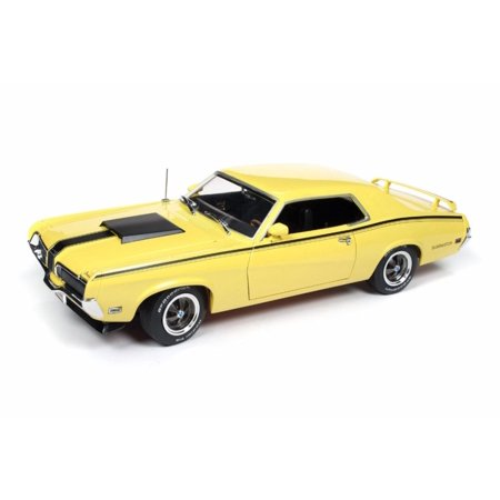 1970 Mercury Cougar Eliminator Hard Top, Yellow - Auto World AMM1155 - 1/18 scale Diecast Model Toy Car 1970 Mercury Cougar Convertible