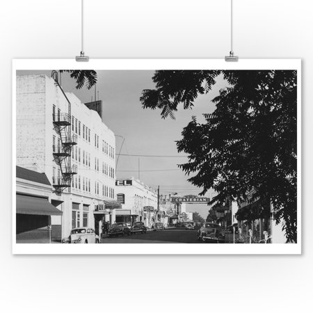 Medford, Oregon View of Central Avenue Photograph (9x12 Art Print, Wall Decor Travel (Avenue Photograph)