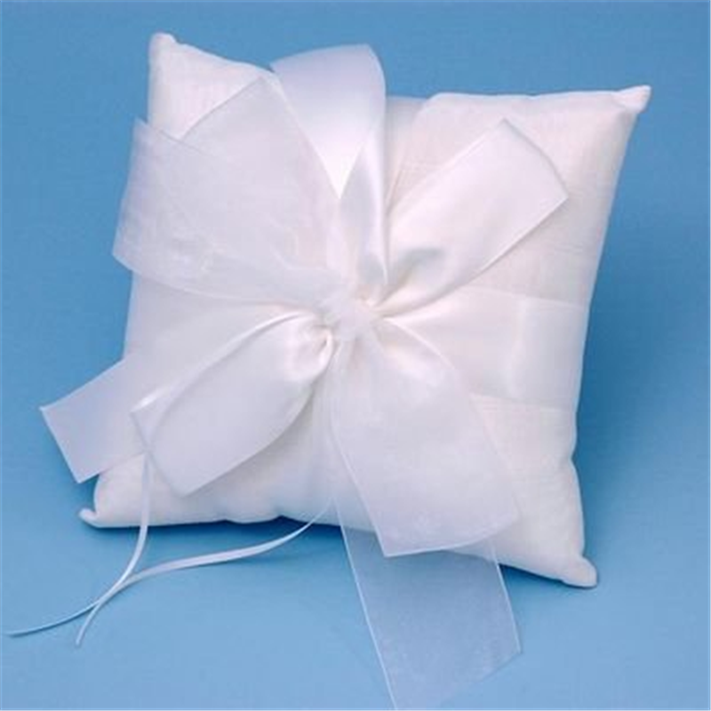 Ivy Lane Design Presents Beverly Clark Collection Wedding Accessories Tres Beau Ring Pillow, White