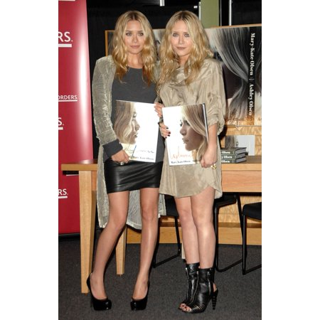 Ashley Olsen Mary-Kate Olsen At In-Store Appearance For Influence Book Signing With Mary-Kate And Ashley Olsen Borders Bookstore Los Angeles Ca November 12 2008 Photo By Dee CerconeEverett Collection - Ashley Olsen Halloween