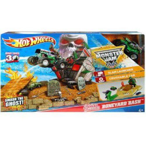 Mattel Hot Wheels Monster Jam Boneyard Bash Play Set