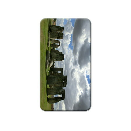 - Stonehenge Monument England - Druids Lapel Hat Pin Tie Tack