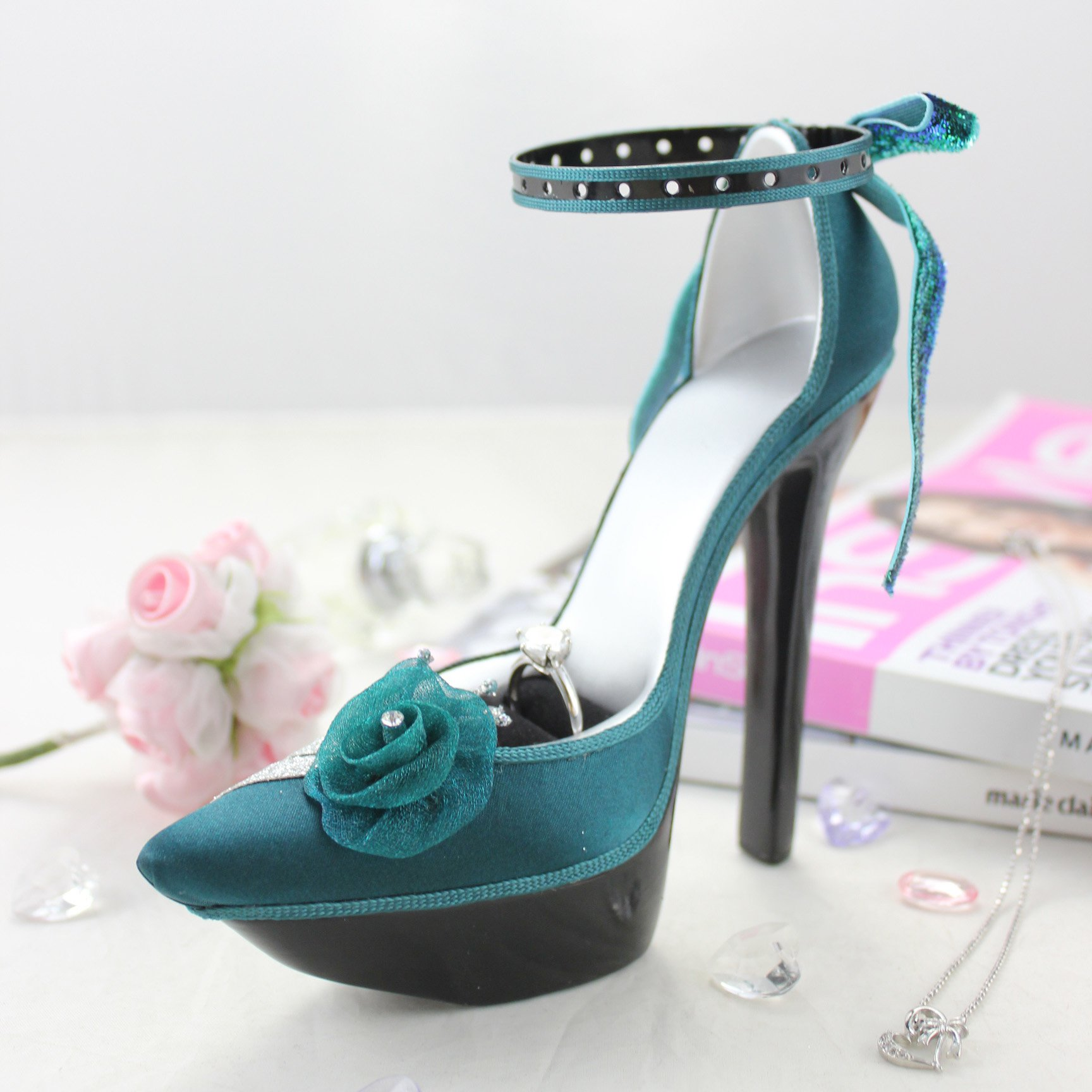 Elegant Rose Platform Shoe Ring and Earring Holder - Green - 7W x 4H in.