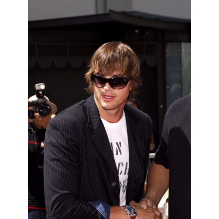Hand And Footprint Halloween Art (Ashton Kutcher At The Induction Ceremony For Kevin CostnerS Hand And Footprint Ceremony GraumanS Chinese Theatre Hollywood Ca September 06 2006 Photo By Michael GermanaEverett Collection)