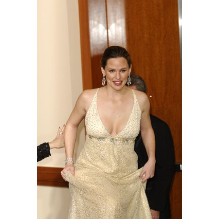 Jennifer Garner In The Press Room For Oscars 78Th Annual Academy Awards The Kodak Theater Los Angeles Ca March 05 2006 Photo By Michael GermanaEverett Collection Celebrity (Jennifer Garner Family Halloween)