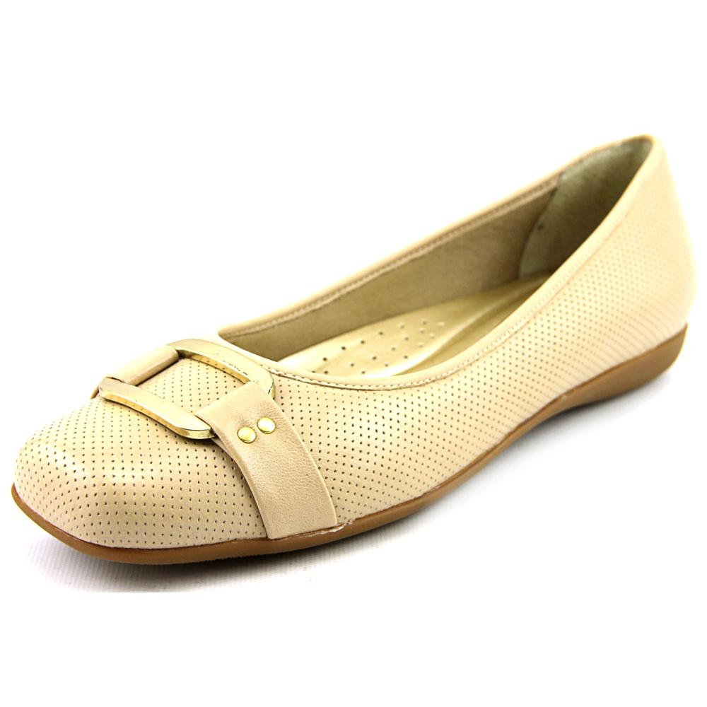 Trotters Sizzle Signature Round Toe Leather Flats by Trotters