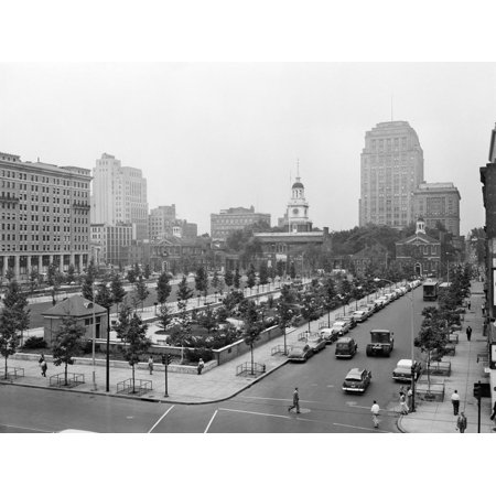 1950s Philadelphia,, PA  Looking Southeast at Historic Independence Hall Building and Mall Print Wall (Independence Shopping Mall)