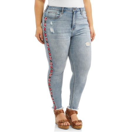 Women's Plus Size Cropped Skinny Jean with Embroidered Taping & Fray Hem ()