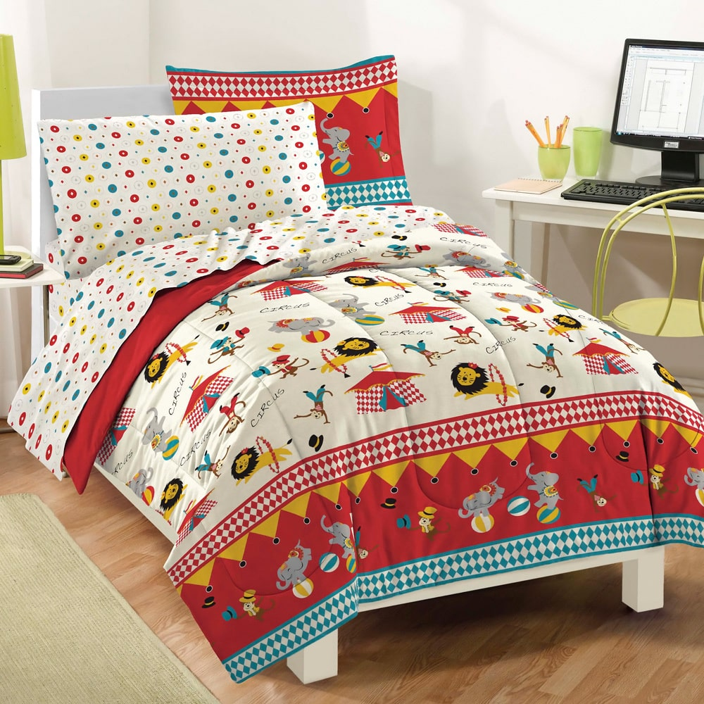 CHF Industries Circus 7-piece Bed in a Bag with Sheet Set