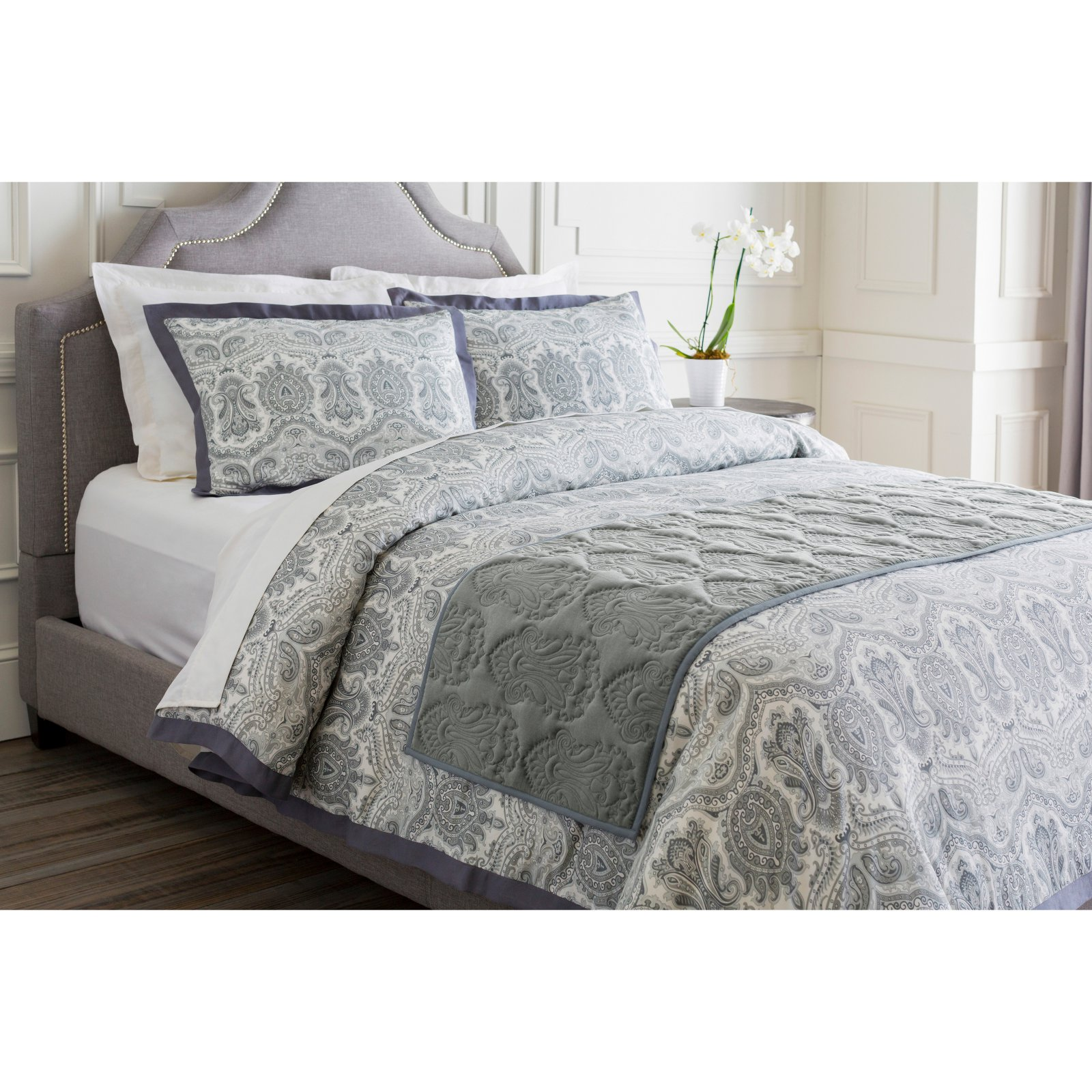Vienna Bed Runner by Surya