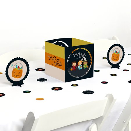 Halloween Treat Table (Trick or Treat - Halloween Party Centerpiece & Table Decoration)