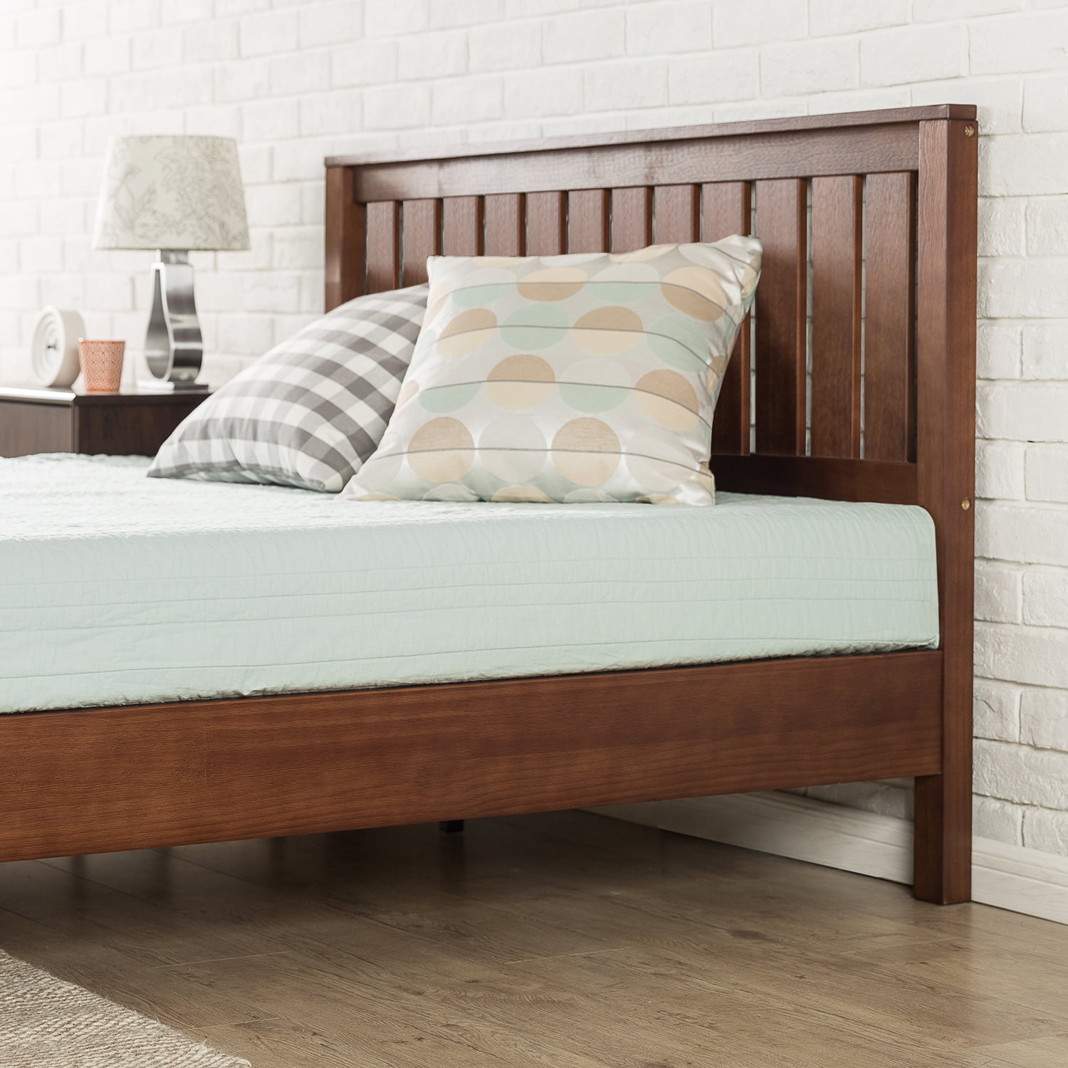 Zinus Deluxe Solid Wood Platform Bed With Headboard