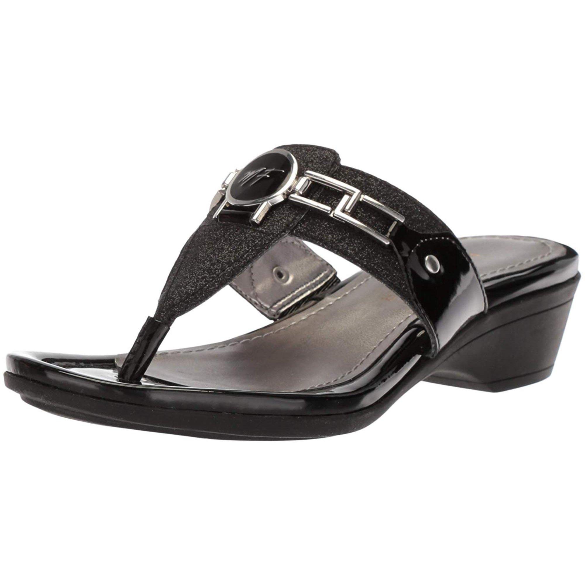 334bbce2ade2 Marc Fisher Womens Amina Split Toe Casual Slide Sandals