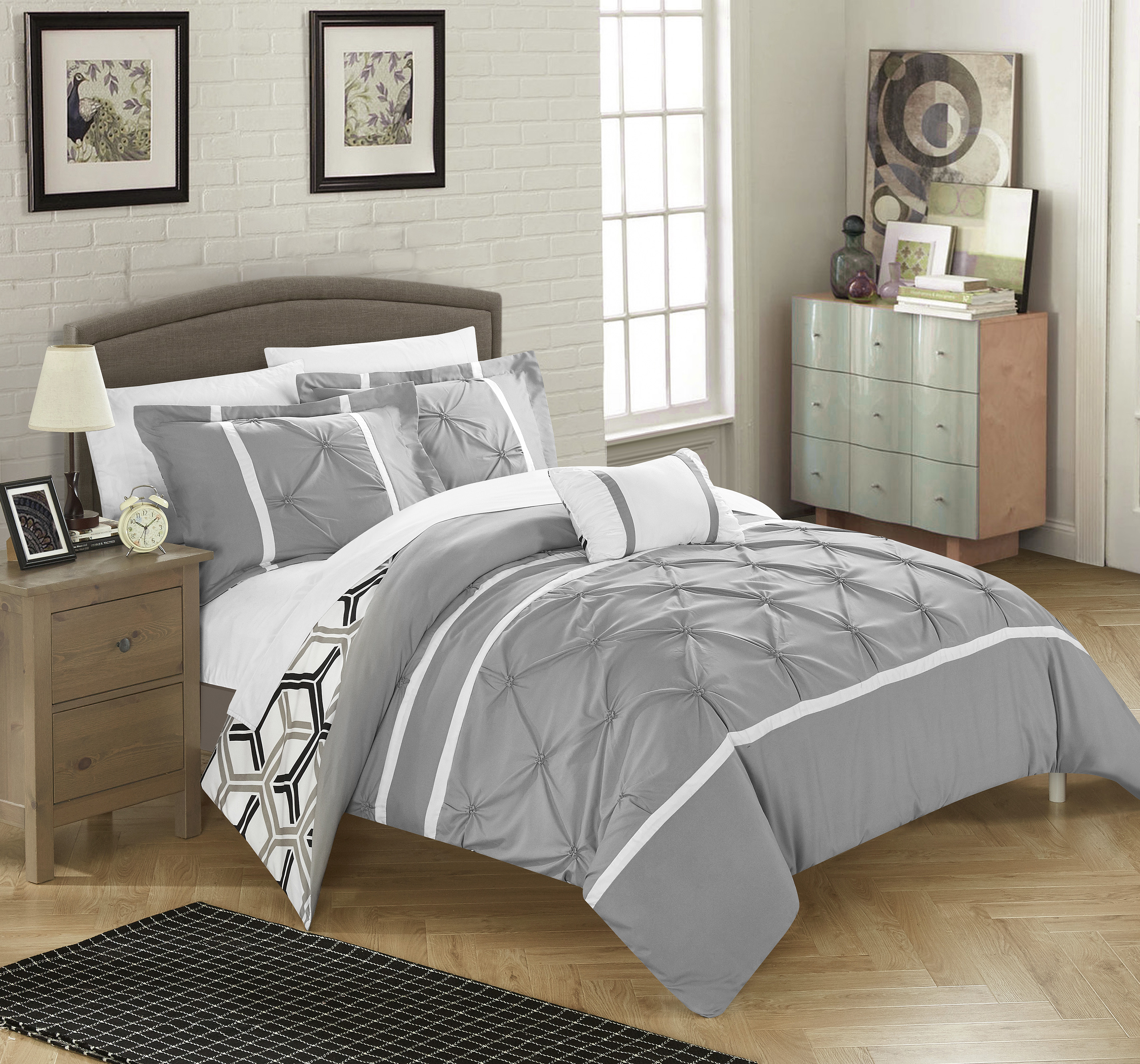 Chic Home 8-Piece Avee Pinch Pleated Ruffled and Reversible Geometric Design Printed Bed In a Bag Comforter Set with Sheets