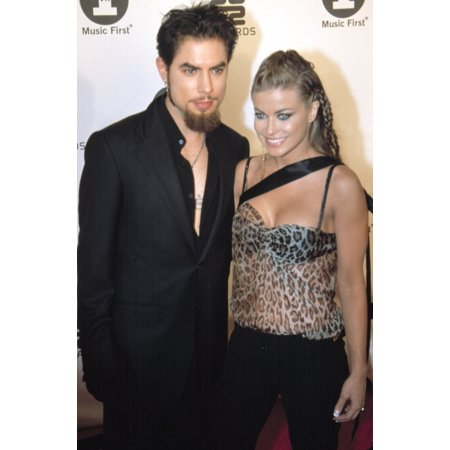 Carmen Electra And Dave Navarro At The Vh1 Best In 2002 Awards