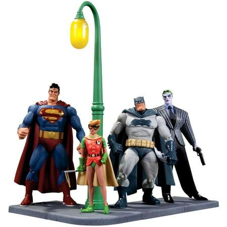 Batman Dark Knight Returns Action Figure 4-Pack [30th - 30th Anniversary Action Figure Case
