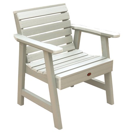 highwood® Weatherly Recycled Plastic Garden Lounge Chair ()