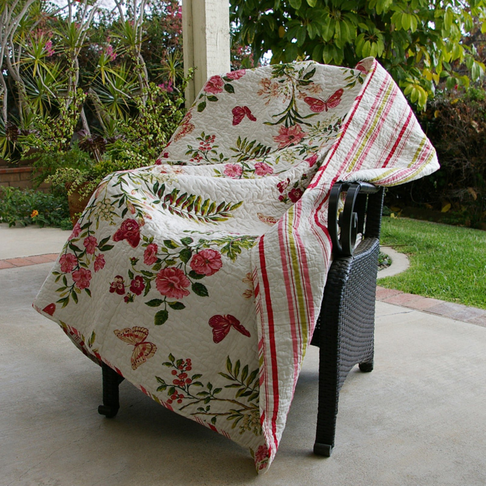 Greenland Home Fashions Butterflies - 50W x 60L in. Quilted Throw