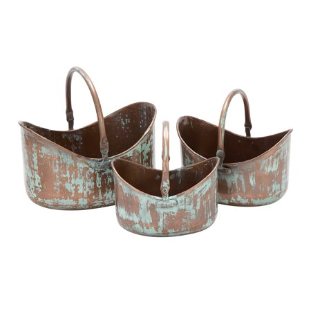 Decmode Farmhouse 8, 9, and 10 Inch Distressed Copper Metal Planters - Set of 3