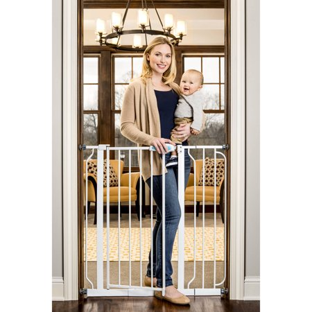Regalo Extra Tall Baby Gate with Walk Through - Halloween Escape Game Walkthrough