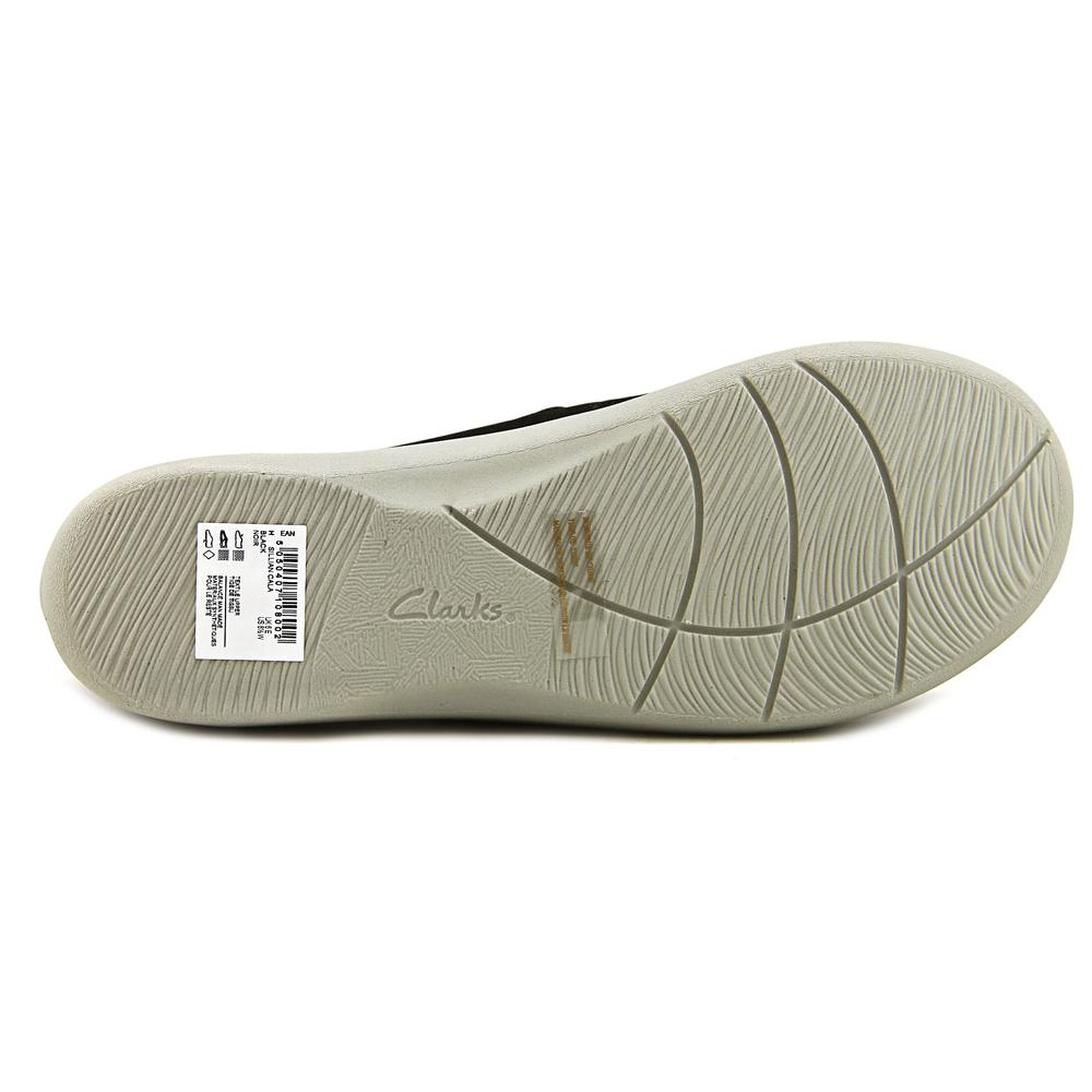 Clarks Cloudsteppers Sillian Cala Women  Round Toe Canvas Black Mary Janes
