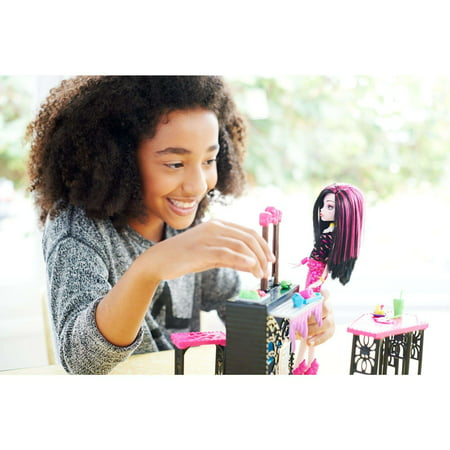 Monster High Beast Bites Cafe Draculaura Doll & Playset - Monster High Sets