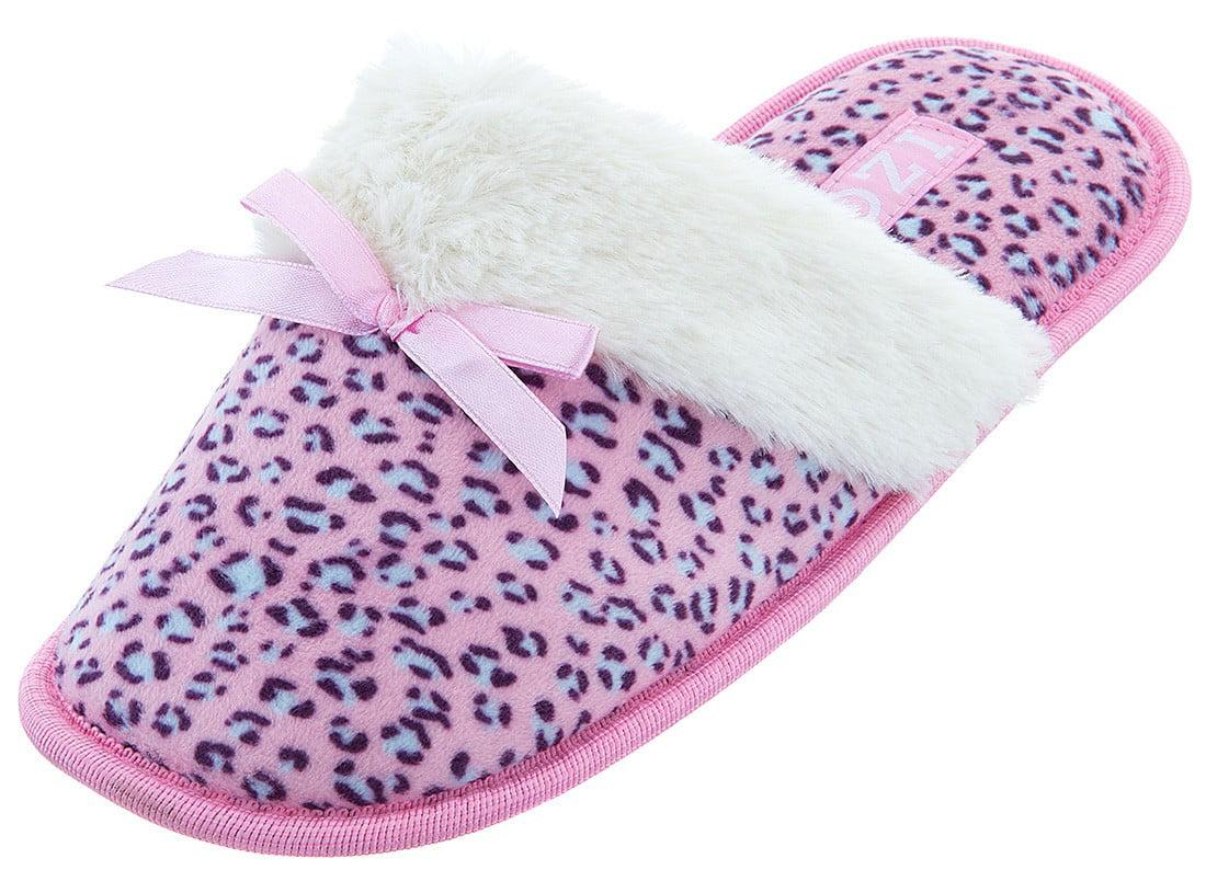 IZOD Women's Pink Leopard Slippers