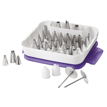 Wilton Master Cake Decorating Tips Set, 55-Piece Cake Decorating Supply Set (Cake Decorating Halloween)