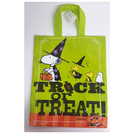 Hallmark Peanuts Snoopy & Woodstock Halloween Trick or Treat Gift Bag for $<!---->