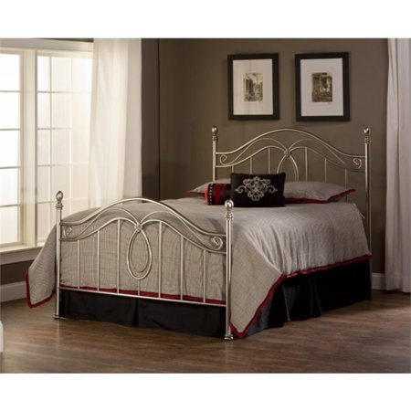 Bowery Hill Full Metal Spindle Bed in Silver