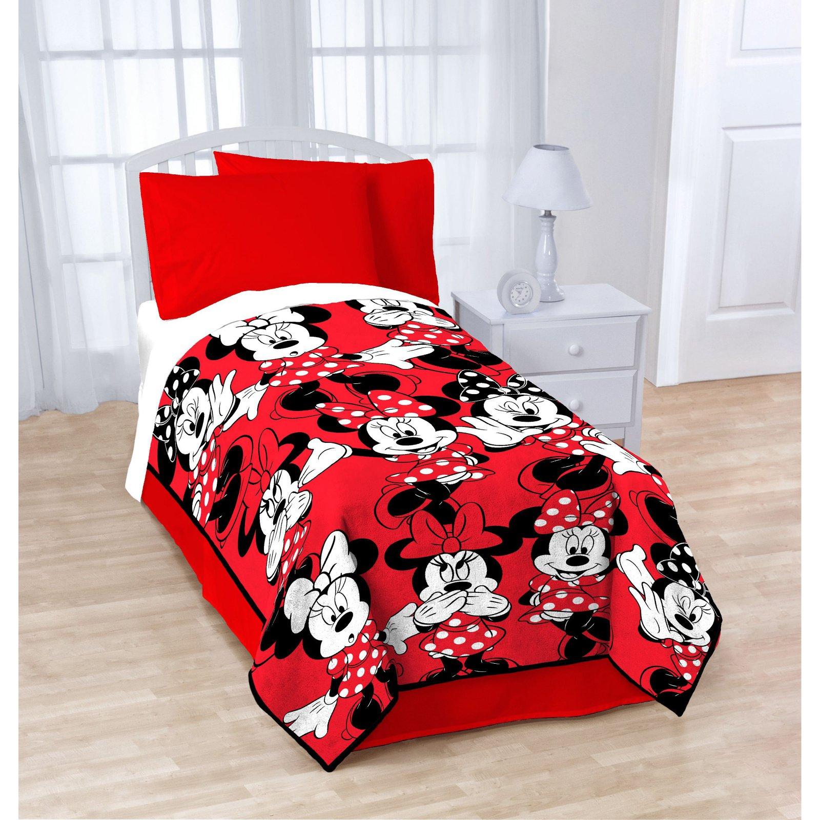 Minnie Mouse Classic Who Twin Blanket by Disney