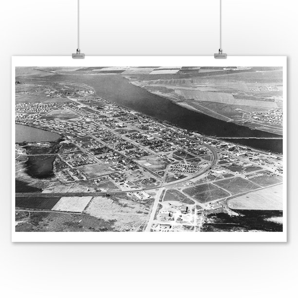 Moses Lake Wa Aerial View Of Town Photograph 9x12 Art Print Wall Decor Travel Poster Walmart Com Walmart Com
