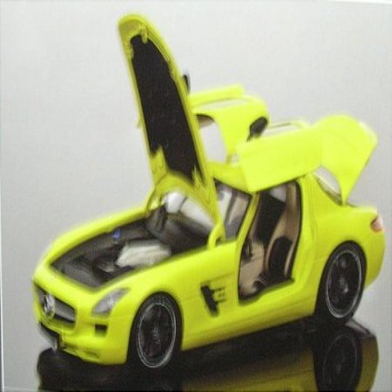 2010 Mercedes SLS AMG Yellow With Black Wheels 1/18 Dieca...