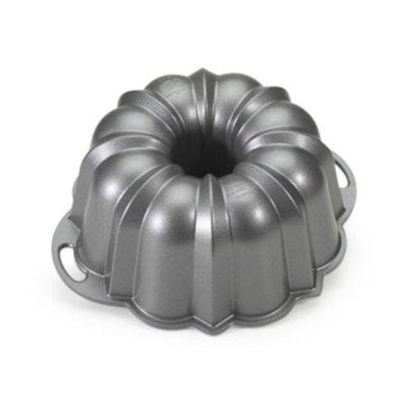 Halloween Bundt Cake (NORDIC WARE 50037 10.5x3.75 12Cup Bundt)