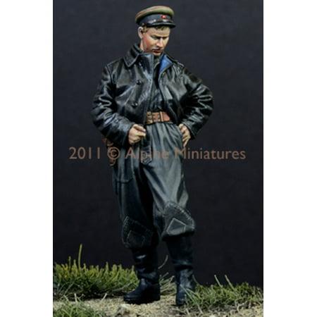 - Alpine Miniatures 1:35 WWII Russian AFV Crew #1 1944 45 - Resin Figure #35117