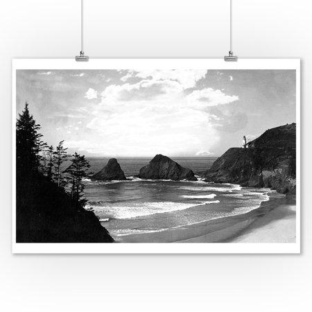 Oregon - Coastal Highway View of Heceta Head Lighthouse (9x12 Art Print, Wall Decor Travel (Coastal View Wall Art)