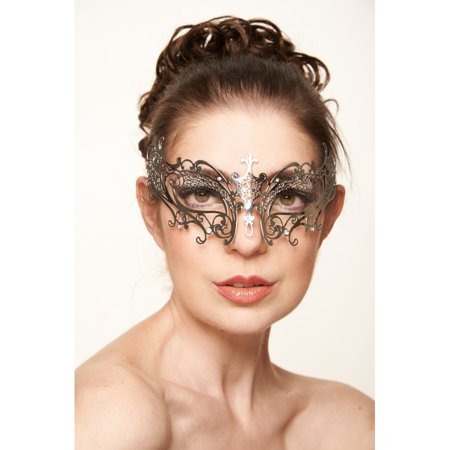 KAYSO INC BG002SL SIMPLE BUTTERFLY METALLIC LASER CUT MASQUERADE MASK (SILVER WITH CLEAR RHINESTONES)