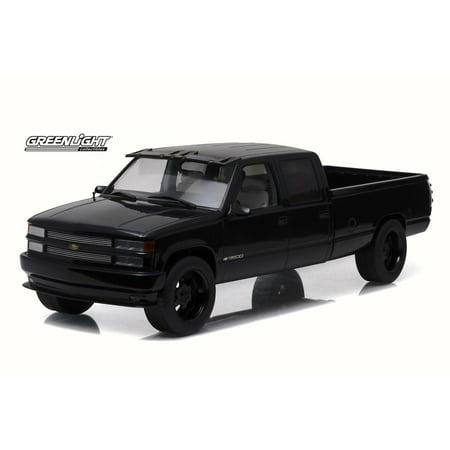 1997 Custom Chevy C-3500 Crew Cab Silverado Pickup Truck, Black - Greenlight 19016 - 1/18 Scale Diecast Model Toy