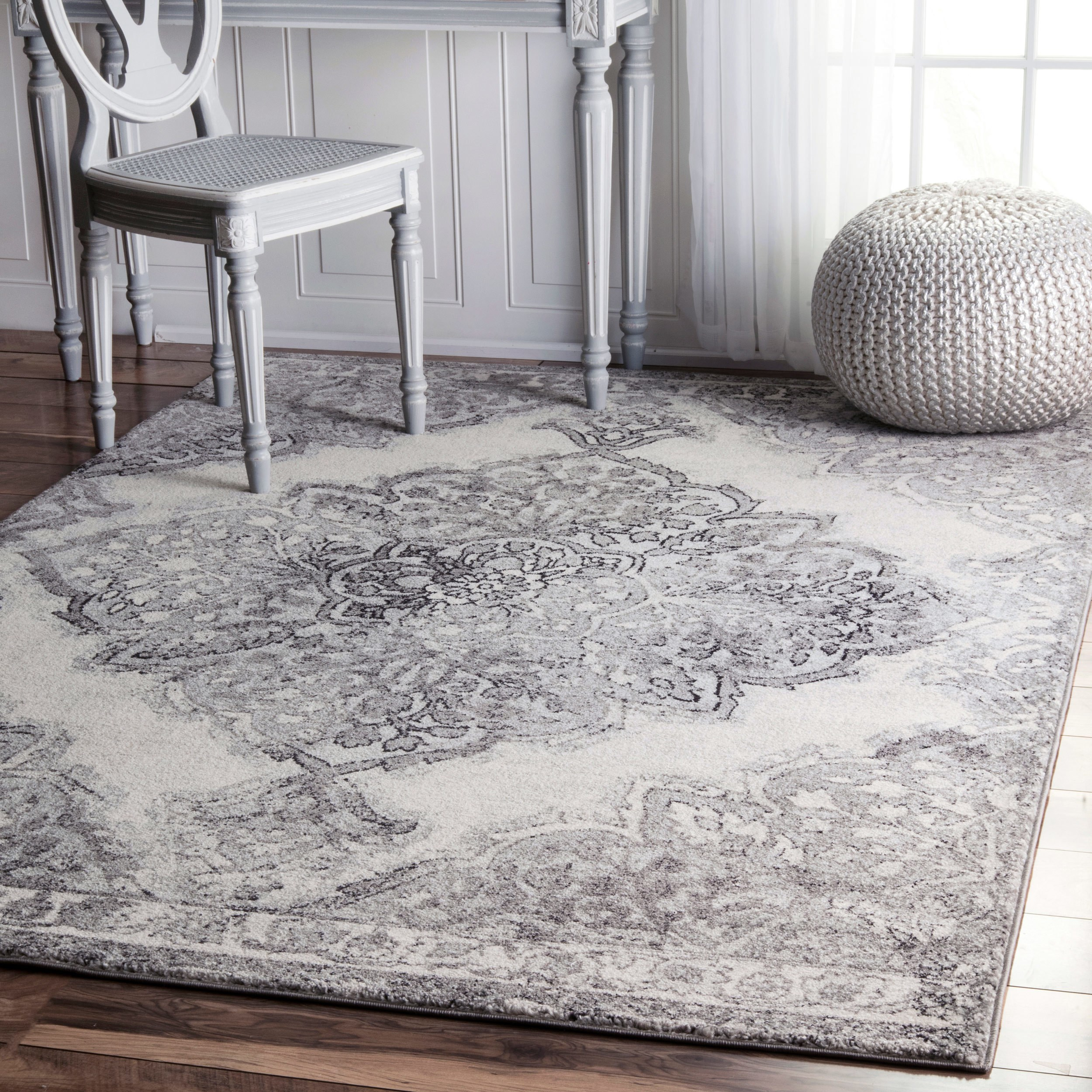 The Gray Barn  Bowdon Transitional Medallion Grey/ White Synthetic Fabric Rug - 6'7 x 9'