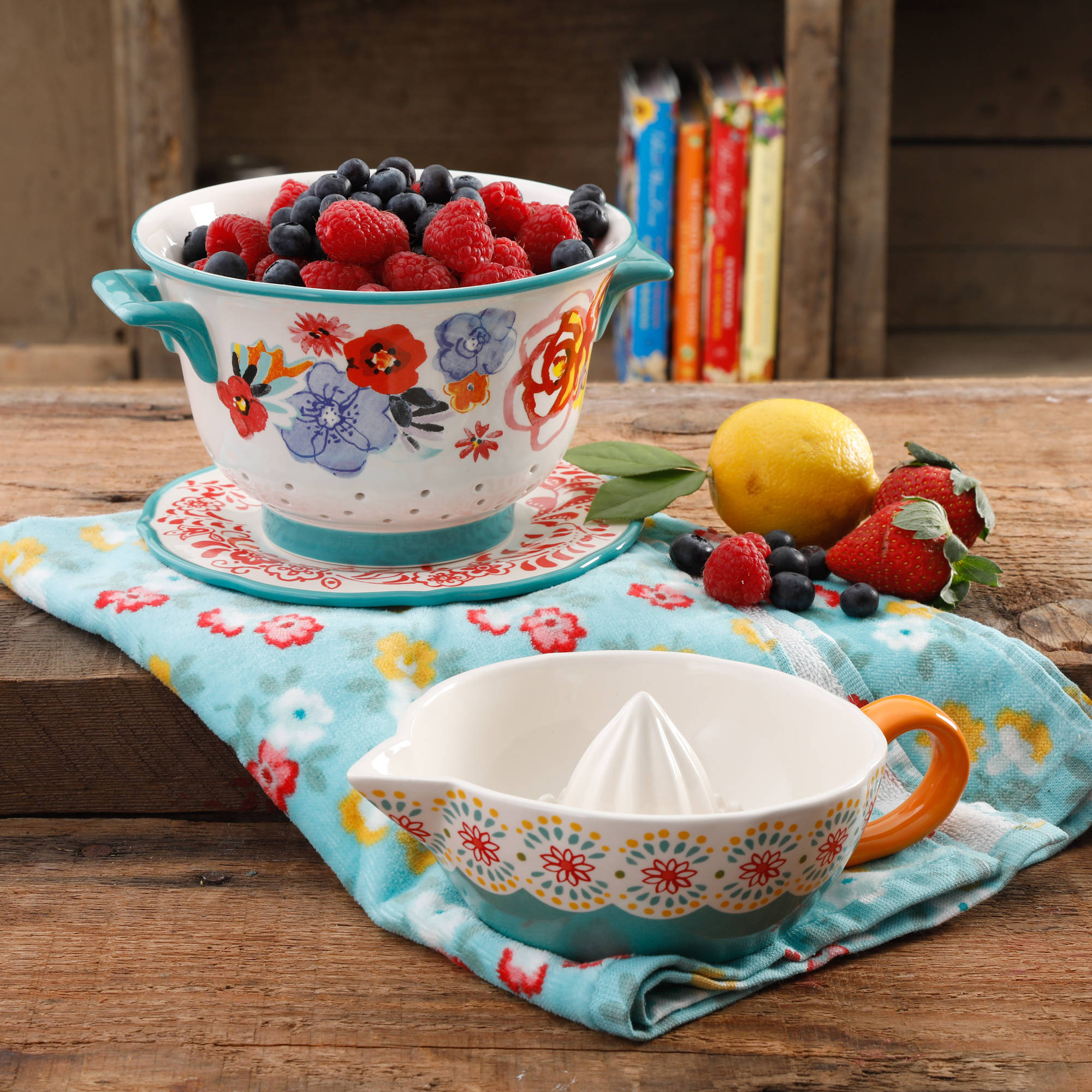 The Pioneer Woman Flea Market 3-Piece Berry Colander and Juicer Set