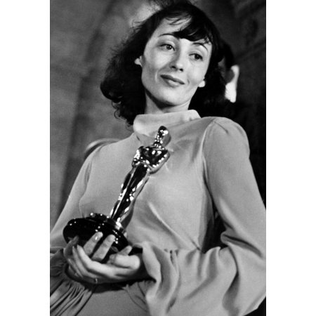Luise Rainer With Her Best Actress Academy Award For The Good Earth