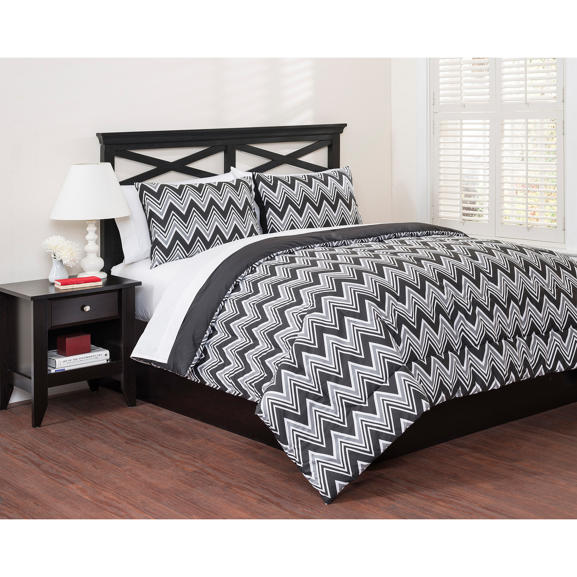 East End Living Classic Chevron 3-Piece Bedding Duvet Set, Black
