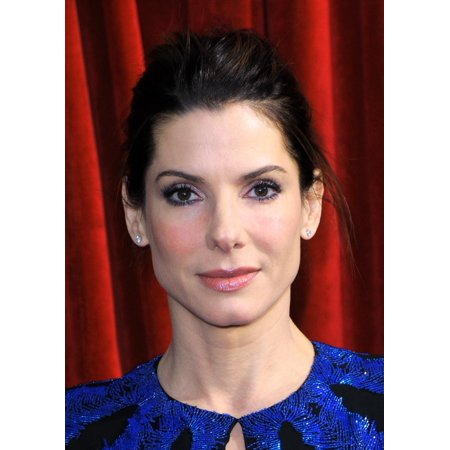 Sandra Bullock Arriving At The Sag Awards Canvas Art     16 X 20