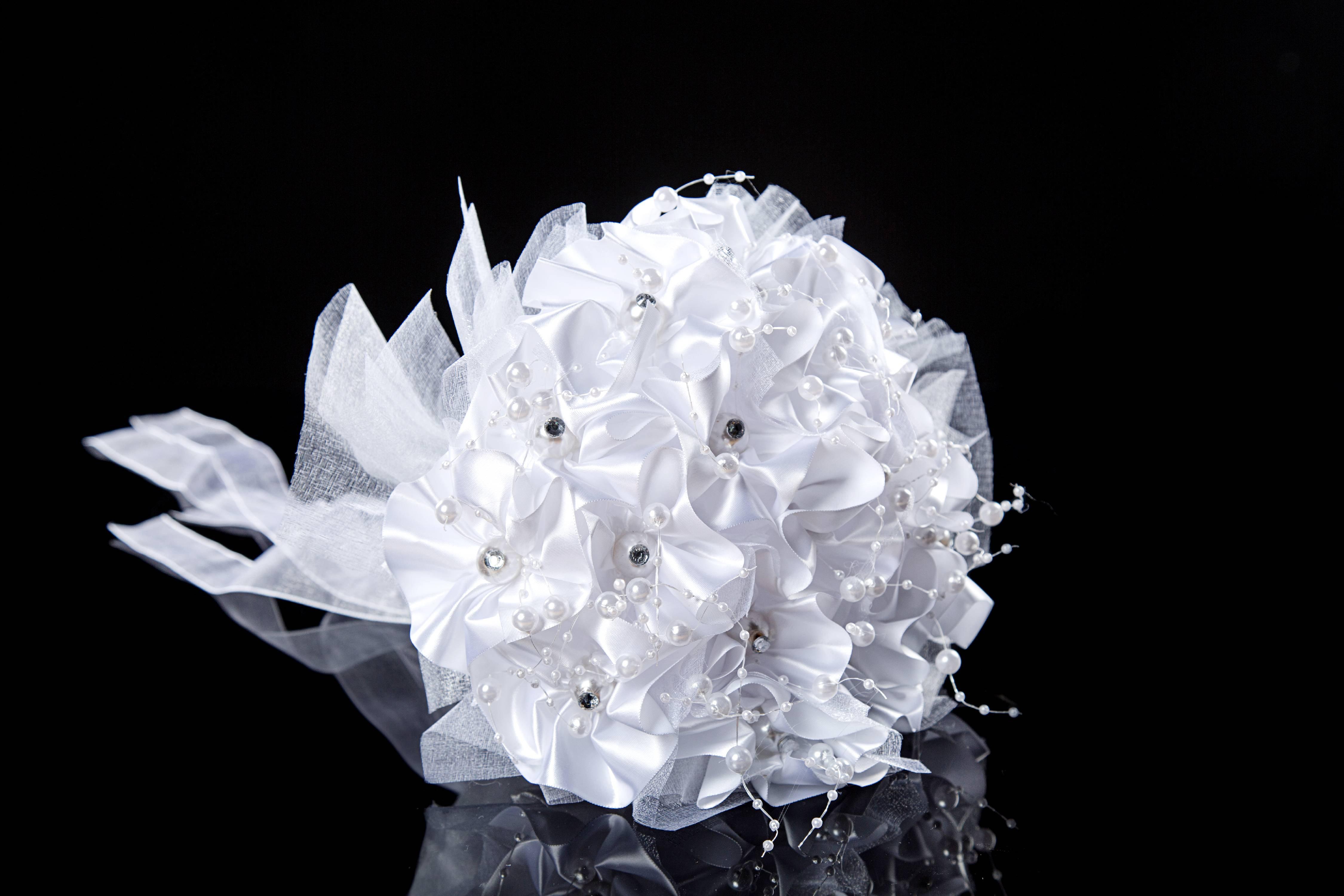 Wedding Flowers Bridal Bouquets Elegant Pearl Bride Bridesmaid