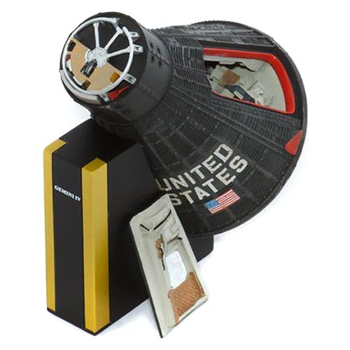 Daron Worldwide Gemini IV Capsule Model Airplane by Toys and Models Corporation