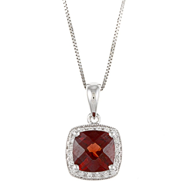 QUALITY COLOR DESIGN 14k White Gold Garnet and 1/10ct TDW Diamond Necklace (I-J, I1-I2)