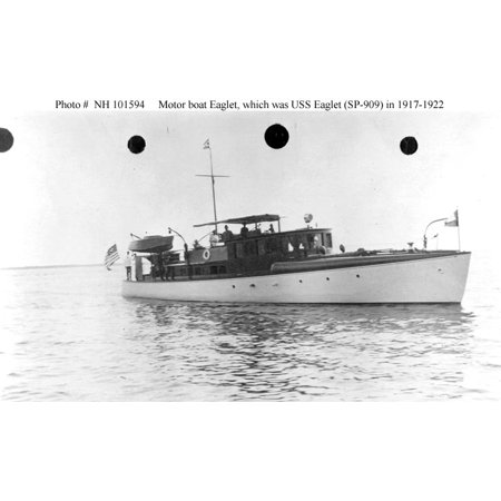 LAMINATED POSTER Civilian motorboat Eaglet prior to her United States Navy service as patrol boat USS Eaglet (SP-909) Poster Print 24 x 36